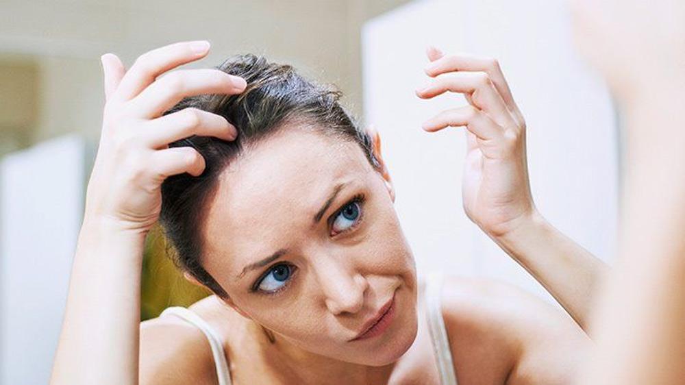 باقیماندن محصولات استفاده شده بر روی مو
